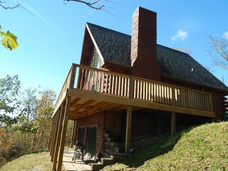 Nice 3 bedroom Tazewell House with Grill - Tazewell vacation rentals