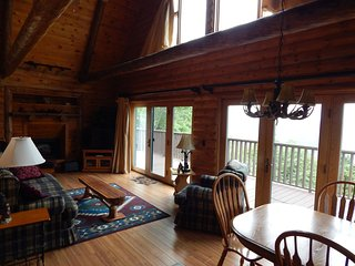 Cozy 3 bedroom Tazewell House with Grill - Tazewell vacation rentals