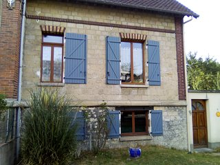 Charming Beaumont-sur-Oise House rental with Internet Access - Beaumont-sur-Oise vacation rentals
