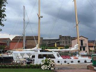 Esclusivo veliero nel cuore della laguna Veneziana - Sottomarina vacation rentals