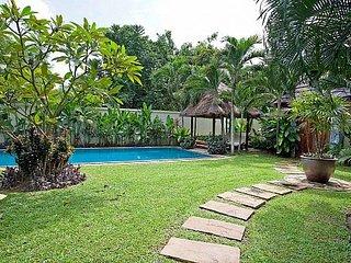 Spacious 5 bed villa 400m to beach - Jomtien Beach vacation rentals