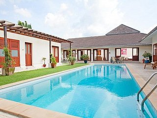 Stylish 4 bed golf course view villa - Kathu vacation rentals