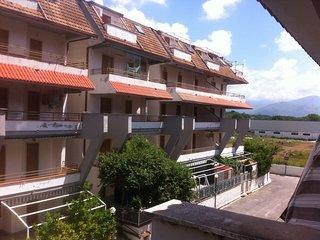 1 bedroom flat just 800 meters to the beach - Scalea vacation rentals