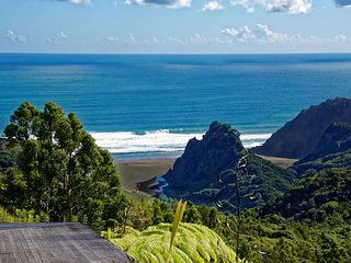 Sacred Earth at amazing Karekare - Auckland vacation rentals