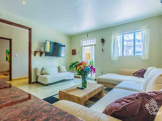 Large 2 bedroom steps away from North Beach! - Isla Mujeres vacation rentals