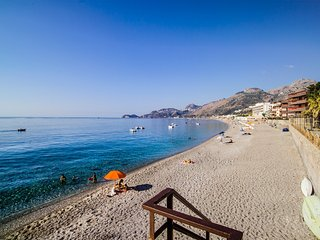 Sole Mare Uno - Letojanni vacation rentals