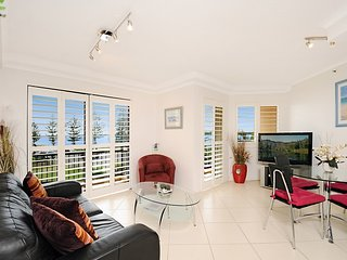 Ocean view luxury one bedroom apartment - Biggera Waters vacation rentals