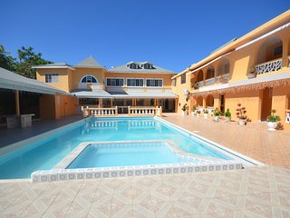 Villa Royale, Montego Bay, 6BR - Ironshore vacation rentals
