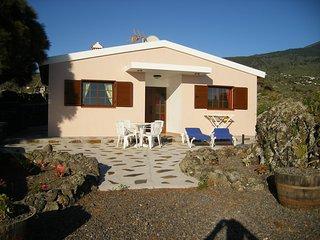 Cozy House with Television and Water Views - Los Llanos de Aridane vacation rentals