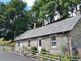 Cozy 2 bedroom Luss Cottage with Internet Access - Luss vacation rentals