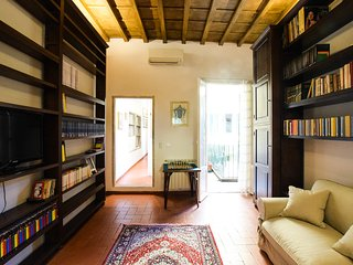 Casa Ghibellina - Apartment in Center of Florence- Appartamento a Firenze - Florence vacation rentals
