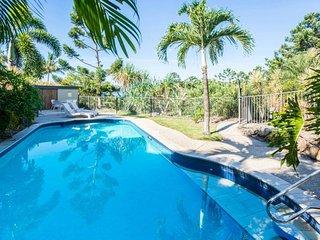 Gorgeous 4 bedroom Hamilton Island Villa with A/C - Hamilton Island vacation rentals