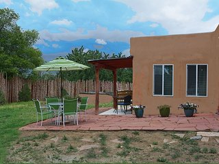 Casita de Cañon Cabin attached to acres of Pueblo Land Hiking - Taos vacation rentals