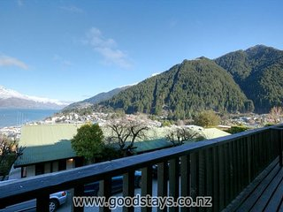 Nice Condo with Balcony and Fitness Room - Queenstown vacation rentals