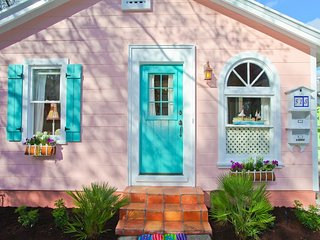 50% Off Sale! Downtown Cottage Walk To Everything! - Sarasota vacation rentals