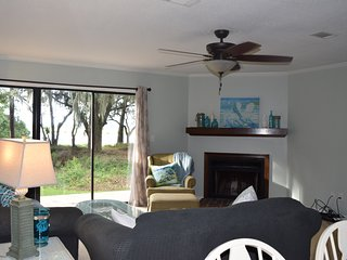 Nice Townhouse with Internet Access and A/C - Beaufort vacation rentals