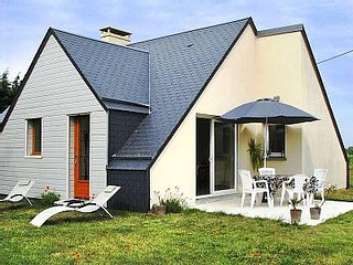 Bright 2 bedroom Gouville-sur-Mer House with Satellite Or Cable TV - Gouville-sur-Mer vacation rentals