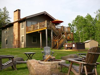 4 Season Nirvana, Hot Tub, WiFi, Fireplace, 2 WEBERs, Windham Mtn Views - Windham vacation rentals