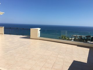 Perfect Penthouse with A/C and Satellite Or Cable TV in Albufeira - Albufeira vacation rentals