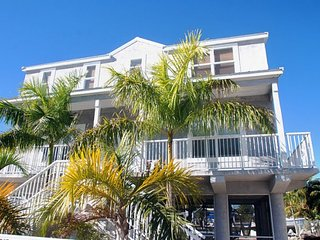 Key Largo Luxury Vacation Home w/ Dock and Ocean Access !! - Key Largo vacation rentals