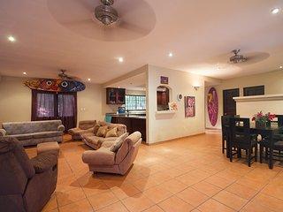 Casa Arte!!! Best house in Grande, just surf! - Playa Grande vacation rentals