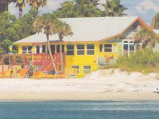 BEACH IS YOUR BACKYARD - Bradenton Beach vacation rentals