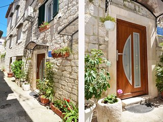 Nice Condo with Television and Satellite Or Cable TV - Trogir vacation rentals