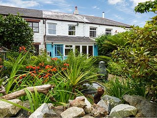 THE ARK COTTAGE, romantic retreat, wodburner, pet-friendly, St Blazey, Ref 929301 - Bodelva vacation rentals