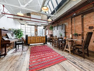 Sunny warehouse loft, Hackney - London vacation rentals