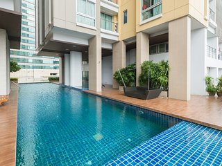 NEW! Great Location By MRT! GREAT VIEW! FREE WIFI! - Bangkok vacation rentals