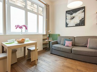 S08086 - Studio 3 personnes St Lazare - 18th Arrondissement Butte-Montmartre vacation rentals