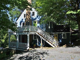 Downtown Hideaway is 3 separate units, rent one or all! - Blowing Rock vacation rentals
