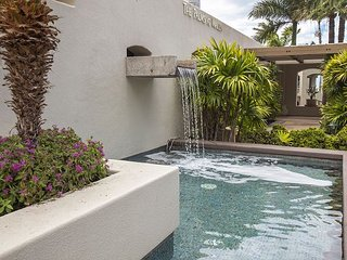 Palms at Wailea #305 A/C Throughout, Close to Pool, Nicely Appointed - Kihei vacation rentals