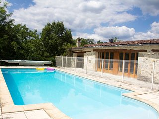 New spacious gite with pool/WiFi, a quiet place - Limogne-en-Quercy vacation rentals