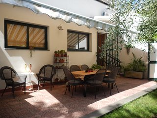 Cozy 3 bedroom Pedara Villa with A/C - Pedara vacation rentals