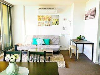 The Deck 2 BD 2 BATH Apartment in Melbourne CBD - Melbourne vacation rentals