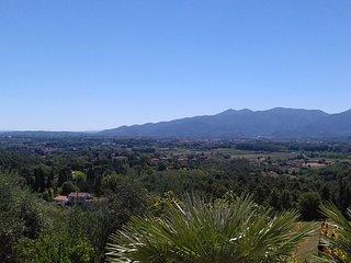 Cosa in collina con vista sulla città di Lucca - Monte San Quirico vacation rentals