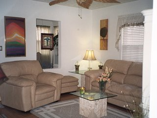 Charming bungalow close to downtown - Indianapolis vacation rentals