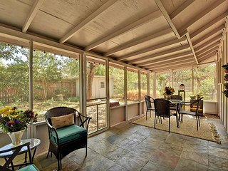 Southern Style in S Austin – Screened in Porch, Great Location! - Austin vacation rentals