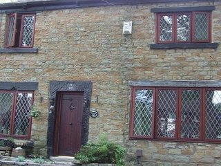 Wilshawdale Bed and Breakfast is a cosy Cottage - Ashton-under-Lyne vacation rentals