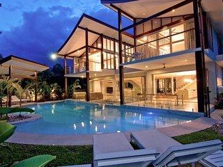 PORT DOUGLAS VILLA - Contemporary Hotels - Port Douglas vacation rentals