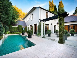 THE WOOLLAHRA MANOR - Contemporary Hotels - Woollahra vacation rentals