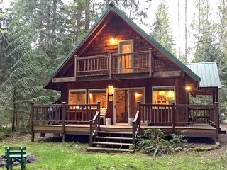 32MBR Private Pet Friendly Cabin near Mt. Baker - Glacier vacation rentals