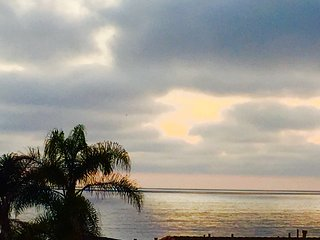 WALK TO GRANDVIEW BEACH WITH HOT TUB-SLEEPS up to 9 - Encinitas vacation rentals