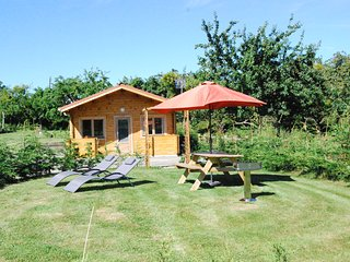 The Cabin, Les Basses Beaulinges - Isigny-le-Buat vacation rentals