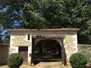 Spectacular Dordogne Chartreuse set in 13 Hectares - Saint-Astier vacation rentals