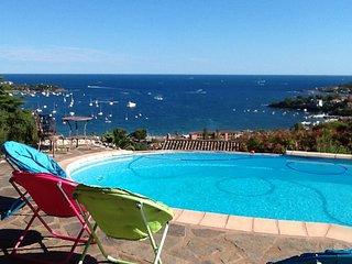 exeptionnel T2 dans villa piscine vue mer  esterel - Agay vacation rentals