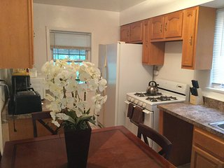 Group Accommodation 2 Sleeps 12 - Staten Island vacation rentals