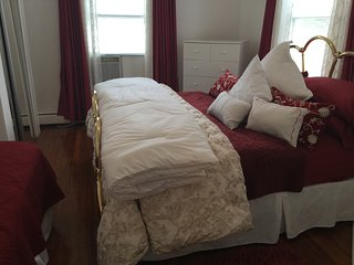 Group Accommodation 1 Sleeps 12 - Staten Island vacation rentals