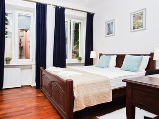 NEW ! For Business or Pleasure 2 Rooms Old Town - Warsaw vacation rentals